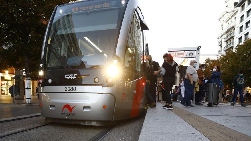 El transporte público de Zaragoza mueve a 1,3 millones de personas en el puente del Pilar