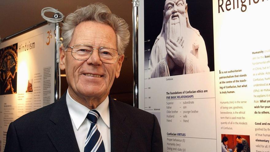 Muere Hans Küng, teólogo suizo que negó la infalibilidad del Papa