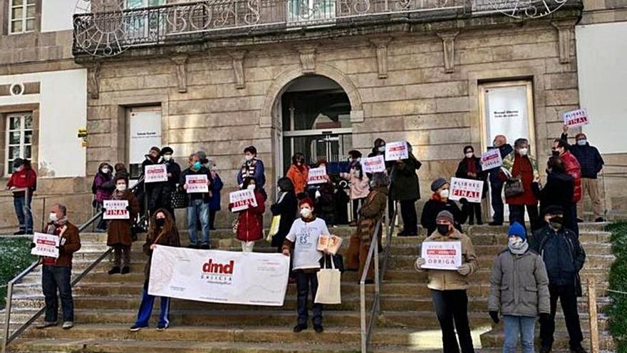 Denuncian frente al MARCO que la Xunta no cumple con la ley de muerte digna