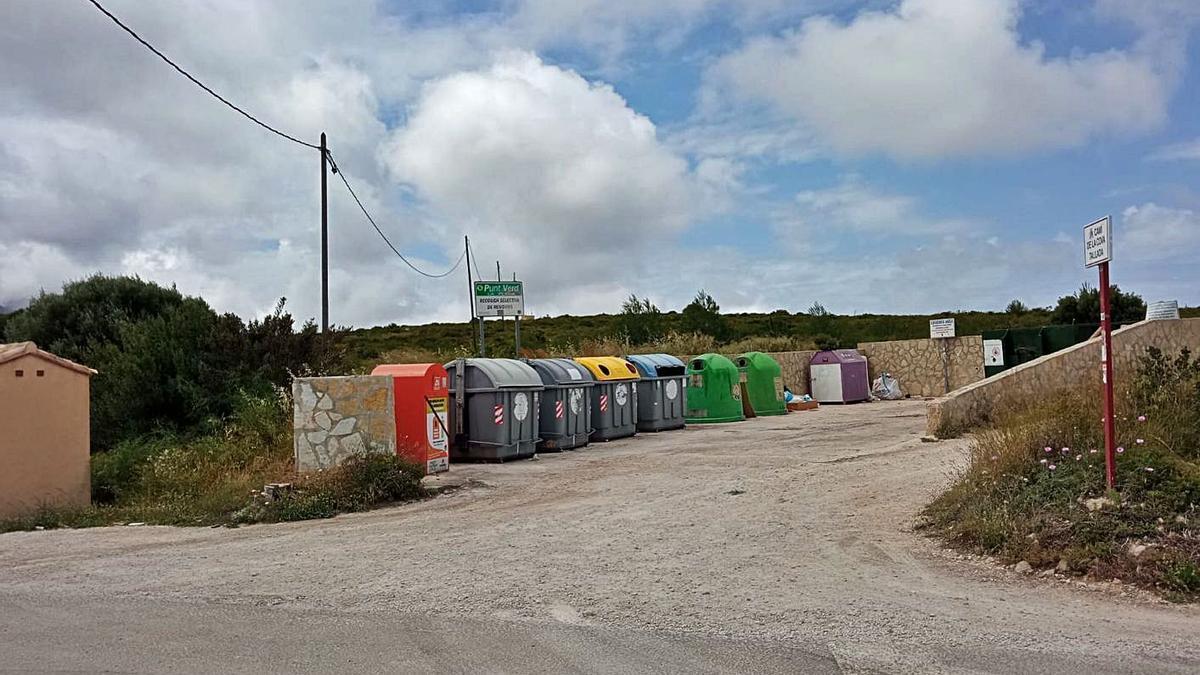La empresa deberá cerrar los punts verds e implantar un sistema de acceso y control   CARLOS LÓPEZ