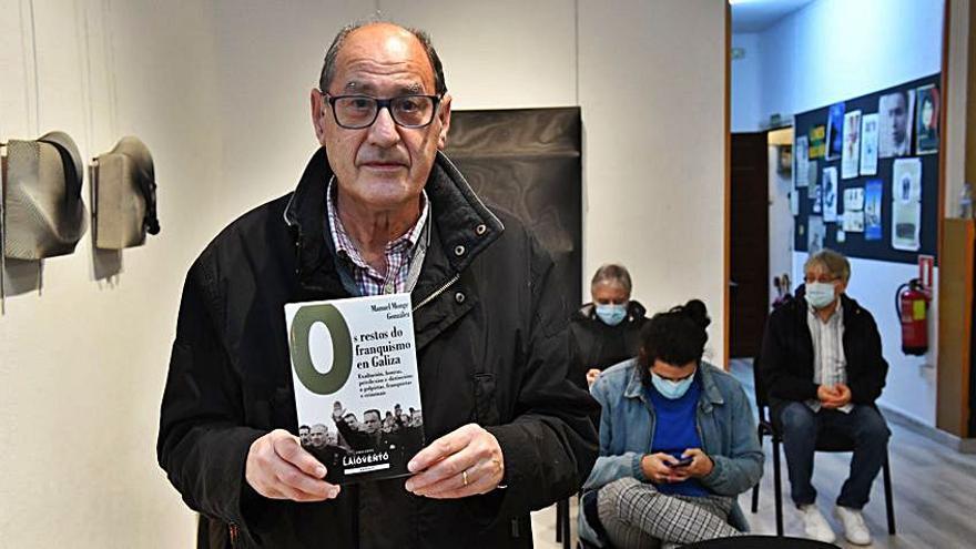Manuel Monge repasa los restos del franquismo que permanecen en Galicia en su último ensayo