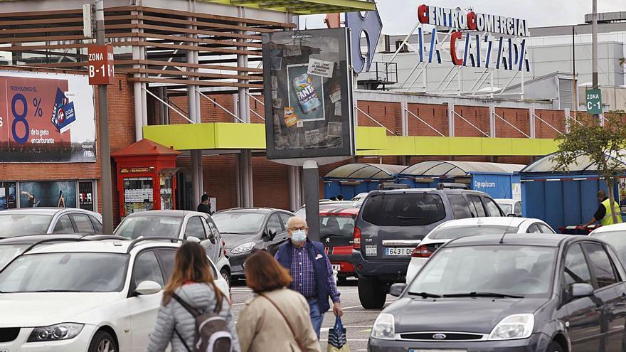 Los carritos cumplen 25 años en La Calzada: un cuarto de siglo del centro comercial del barrio