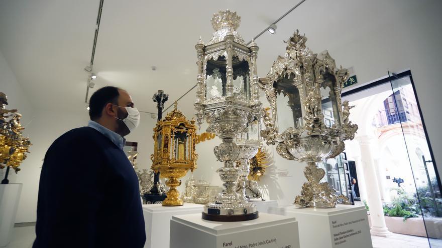 La Agrupación de Cofradías inaugura la primera gran exposición con motivo de su centenario