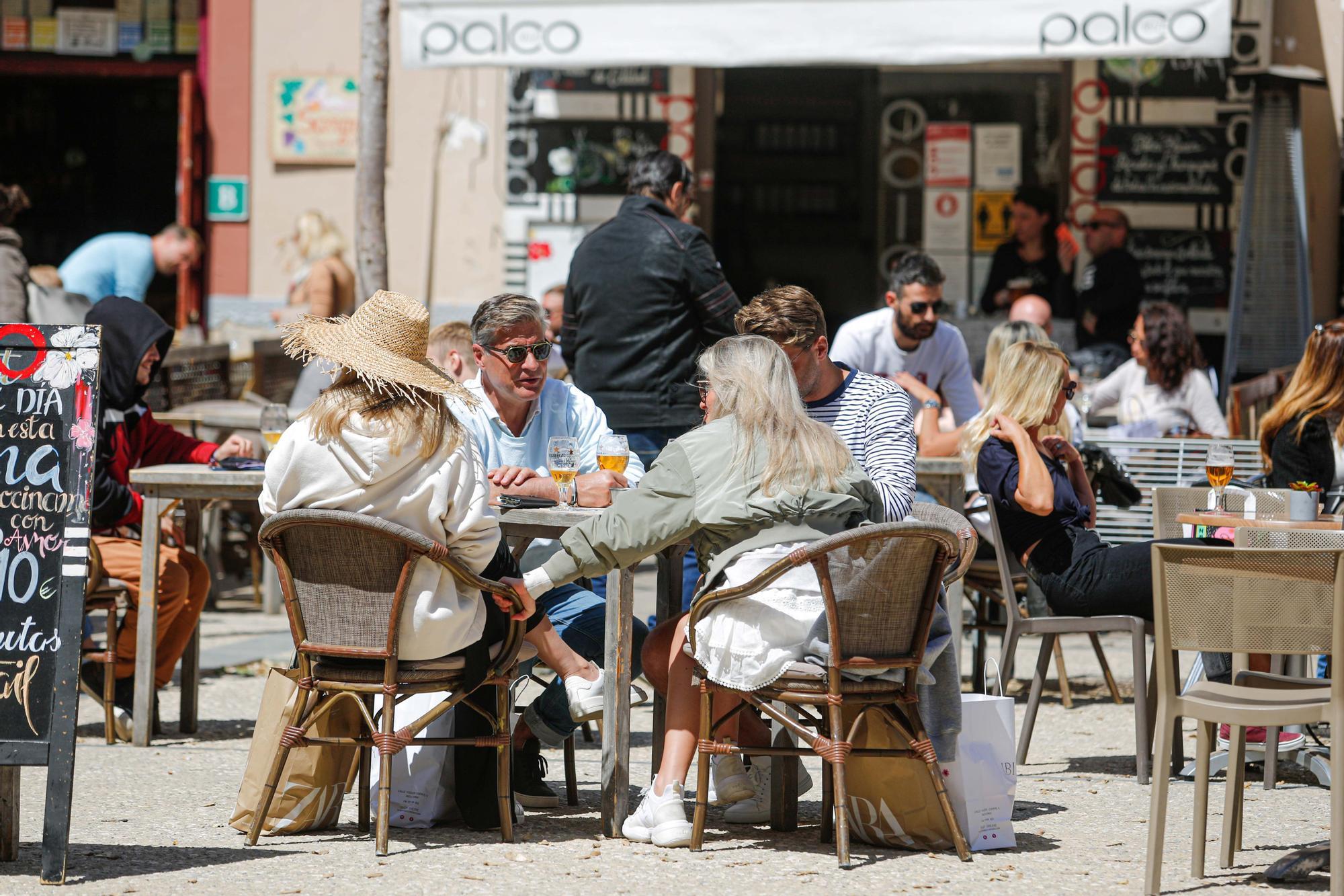 La restauración de Ibiza acusa a los  grupos hoteleros de presionar para mantener las restricciones