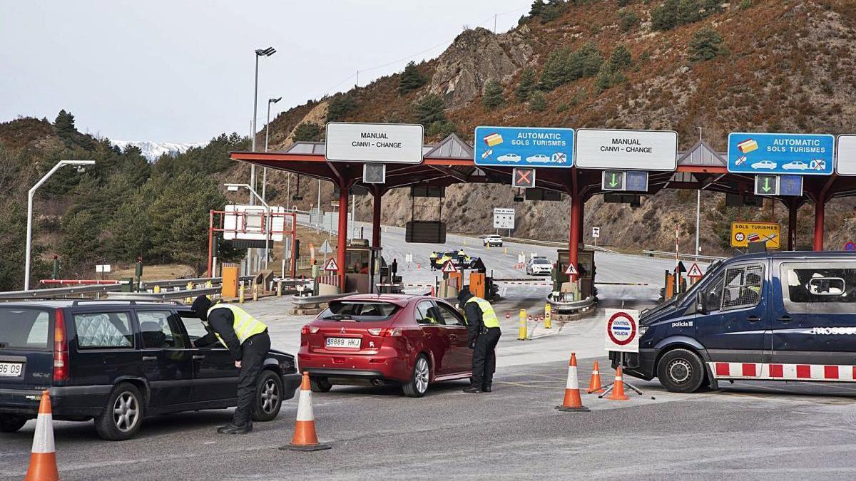 Control de Mossos i trànsit fluid als accessos a la Cerdanya, ahir