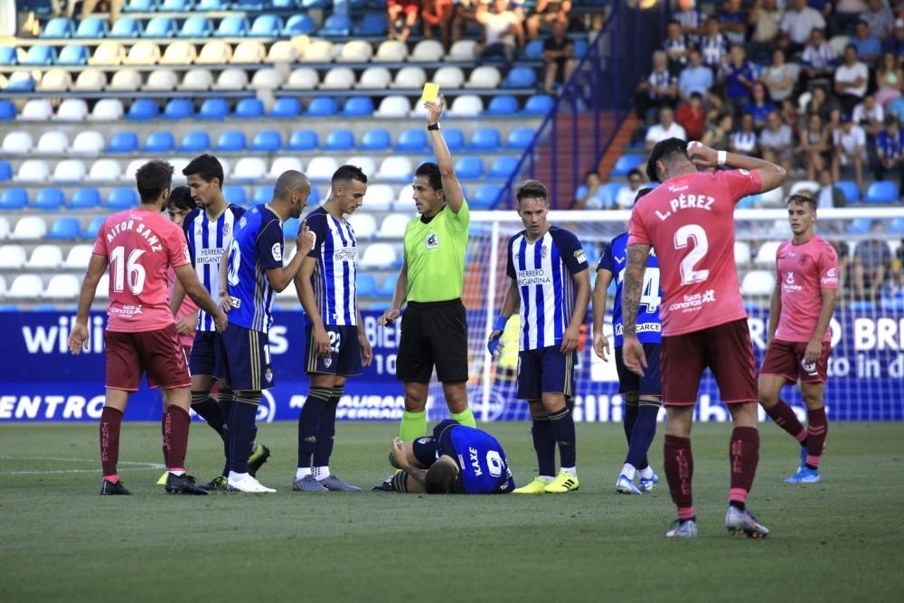 El CD Tenerife cae derrotado en casa de la SD Ponferradina