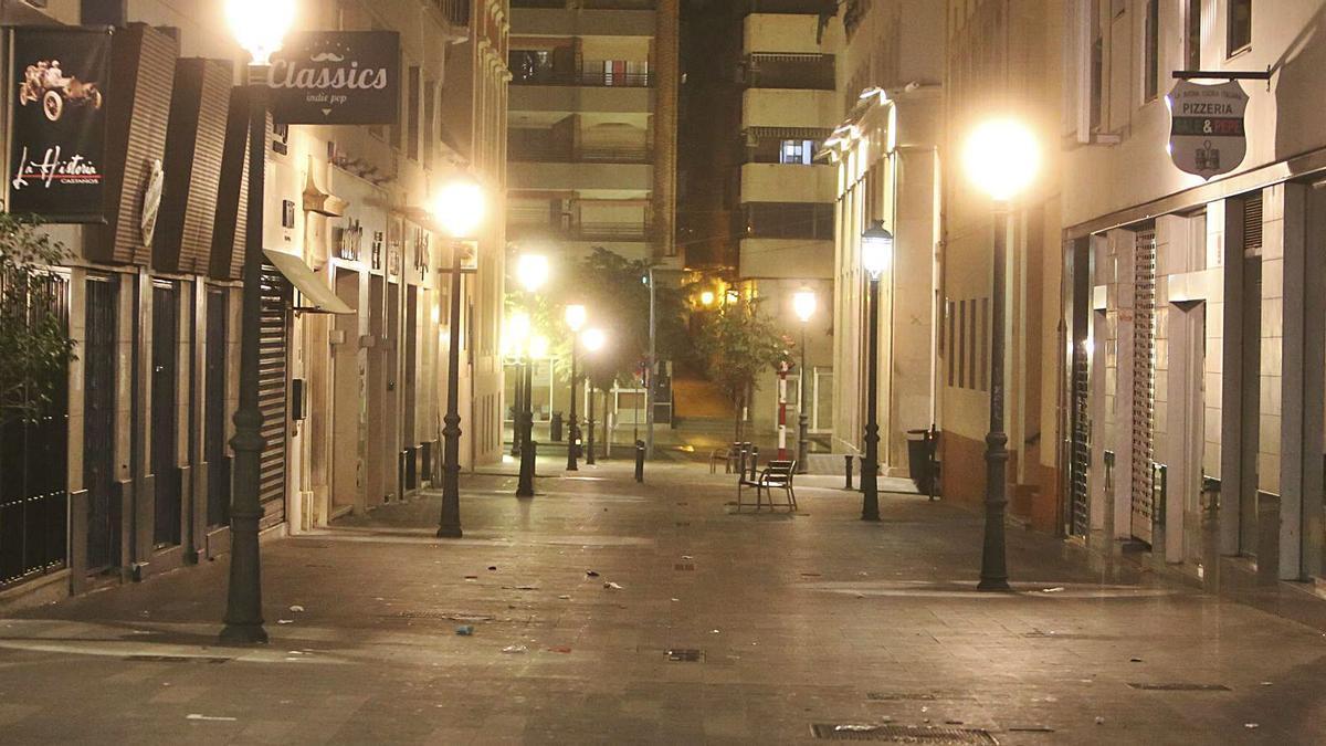 El completo vacío  de las zonas de ocio nocturno en la ciudad de Alicante.