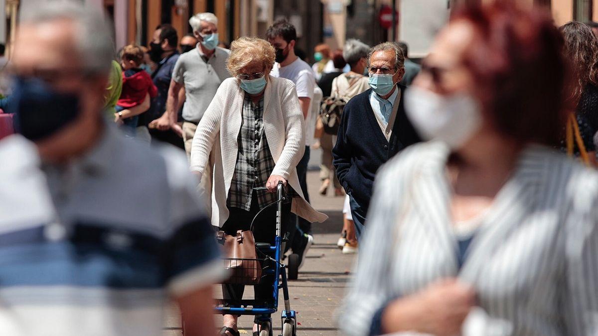 Sanidad subirá el nivel de alerta en Tenerife si no ataja la curva epidemiológica en días