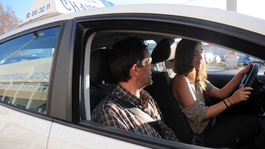 Tráfico incorpora tres examinadores para acelerar la obtención del carnet en Castellón