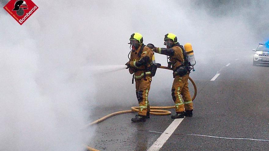 Los bomberos de la Diputación de Alicante intervinieron rápidamente
