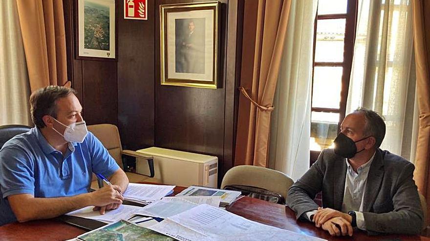 Villaviciosa reclama medidas ante el deterioro de los diques de los porreos de la ría