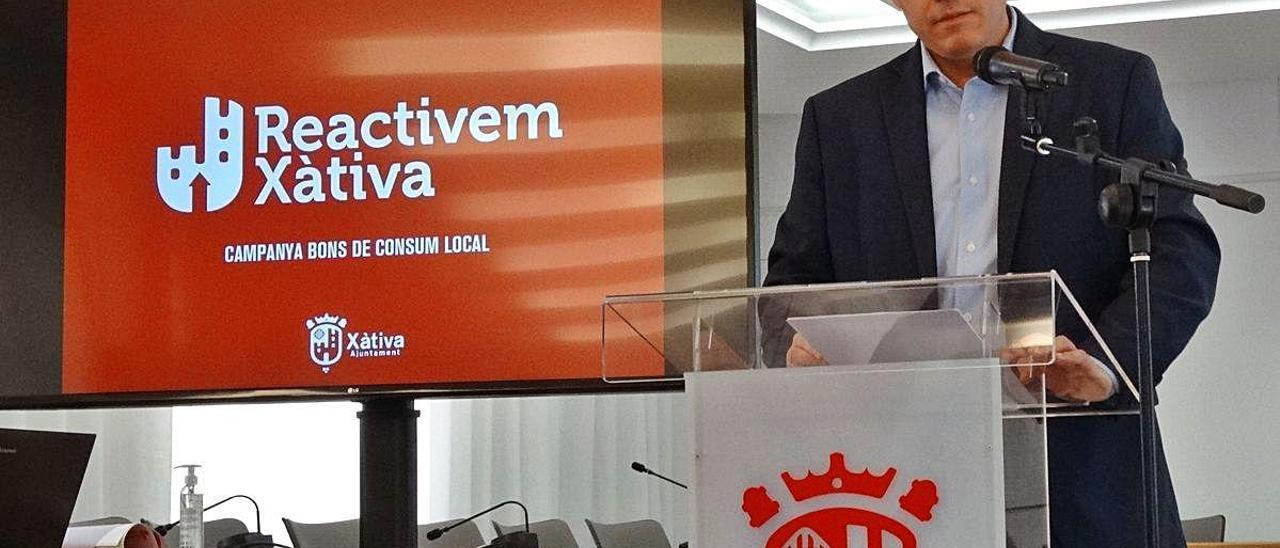 Canjean la mitad de los bonos al consumo de Xàtiva en el primer mes de campaña