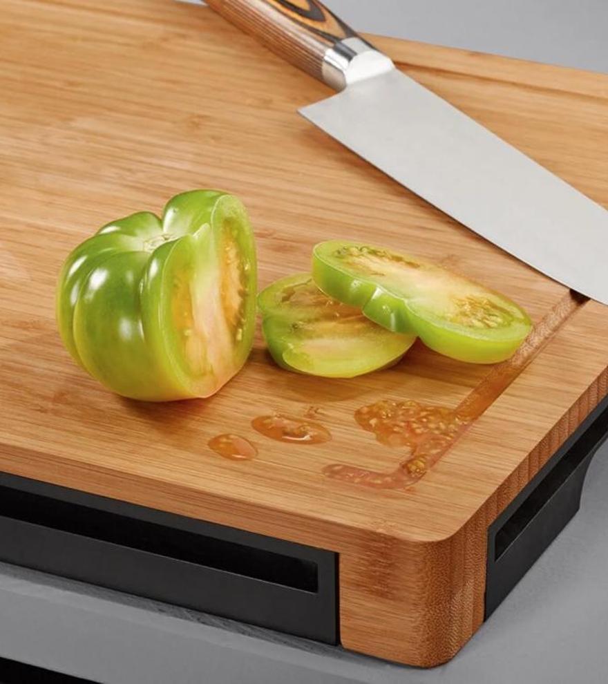 Cómo limpiar las tablas de cortar de la cocina para desinfectarlas a fondo