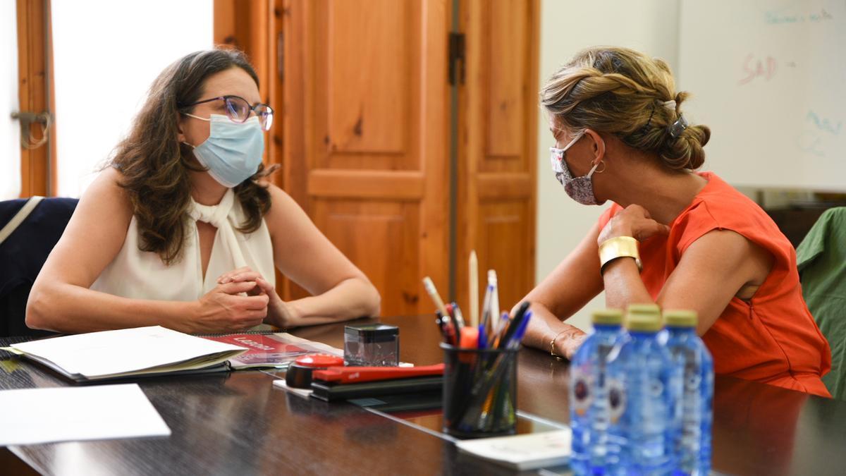 Mónica Oltra y Yolanda Díaz.