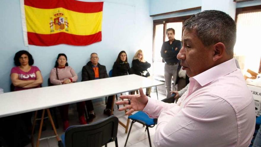 La mayoría de las familias con ayudas de la asociación de ecuatorianos son españolas