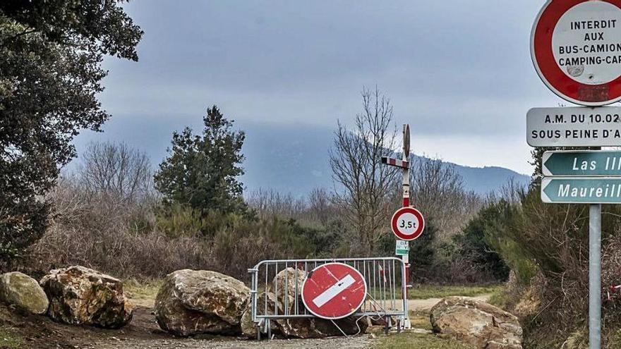 França mantindrà els controls fronterers fins almenys el 30 d'abril