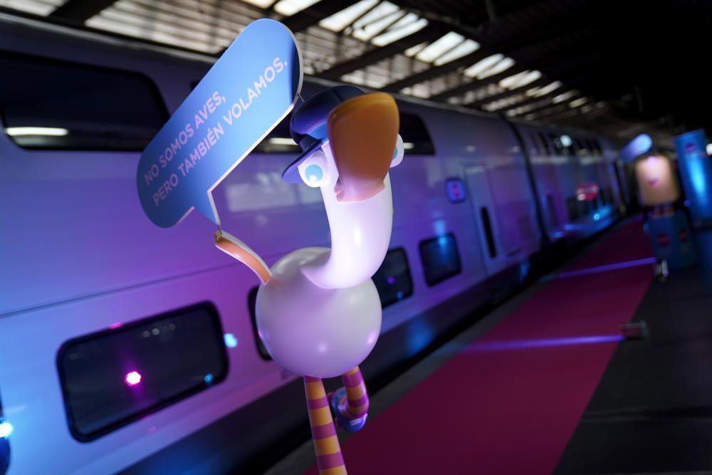MADRID. 22.09.2020. ECONOMÍA.Tren de la empresa ferroviaria de alta velocidad, de bajo coste, de la SNCF, que operará en España. En la imagen, en primer plano, la mascota de la empresa. FOTO: JOSÉ LUIS ROCA