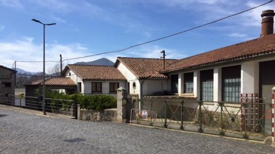 Sant Joan les Fonts aprova comprar la fàbrica Vila per 650.000 €