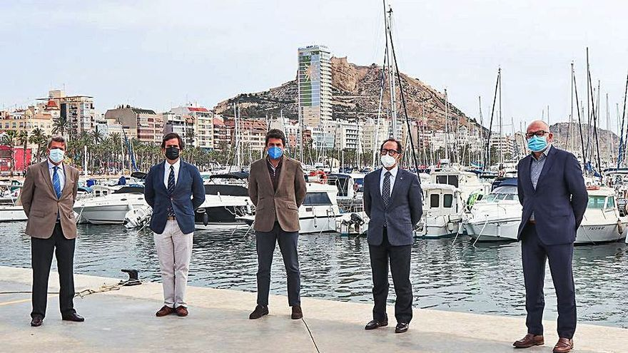La regata Dos Bahías une al Real Club Náutico de Palma con el de Alicante