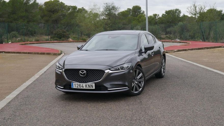Nuevo Mazda6: sintonía perfecta entre coche y conductor