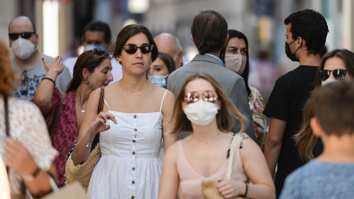 Primer día sin mascarillas en el exterior en Málaga