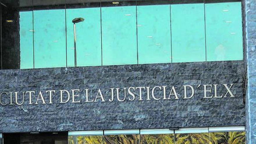 La sección VII de la Audiencia de Elche plantea juicios por las tardes como última solución para liquidar 800 casos pendientes