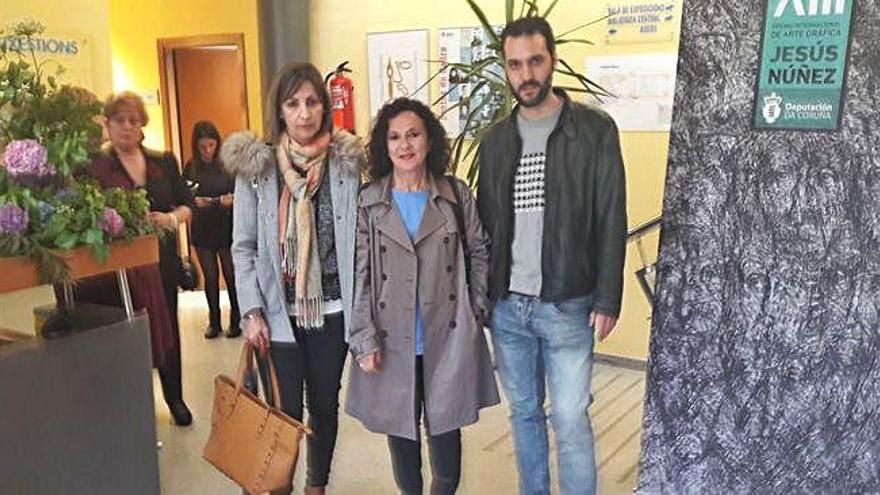 Daniel Barral recibe o primeiro premio do certame Manuel Murguía de narrativa