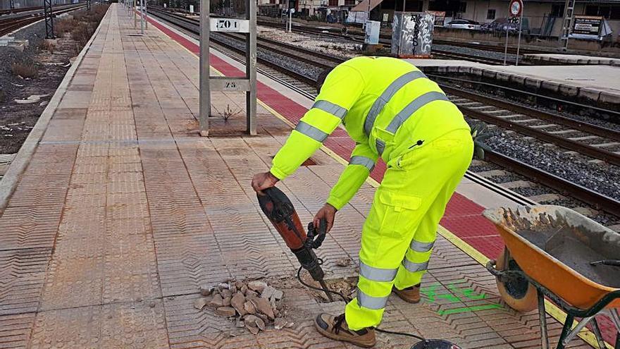 Mejoran la accesibilidad de la estación de tren de Xàtiva con 418.000 euros