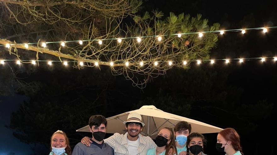 El hijo de Ivonne Reyes, Fran Perea, un chiringuito y una playa canina