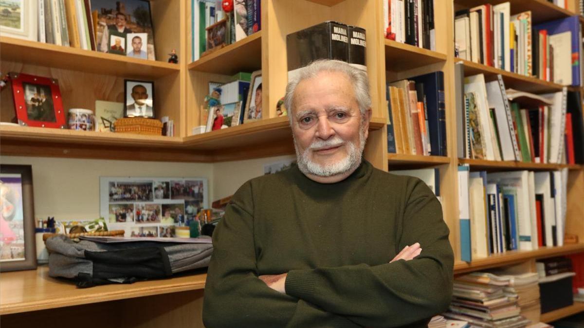 Julio Anguita, ingresado por un problema cardíaco grave