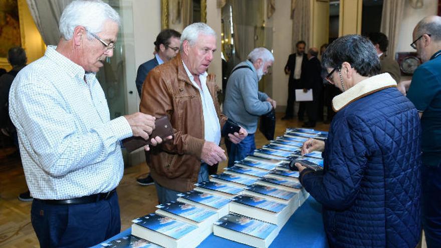 El PP acusa a Morales de utilizar los medios del Cabildo para comercializar su libro