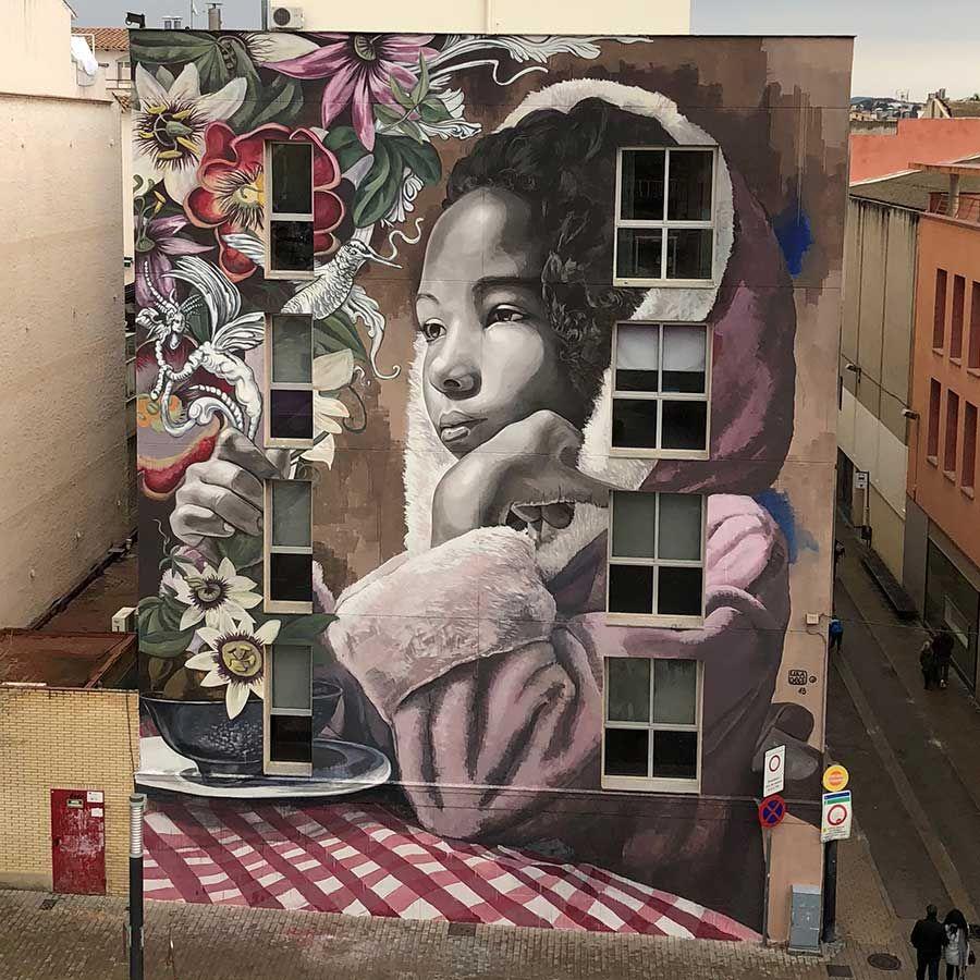 Mural de Lula Goce para Womart