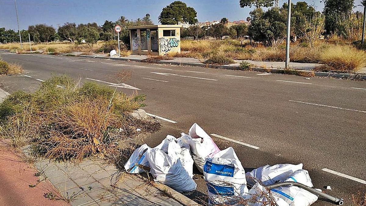 El sector Nou Nazareth se paralizó en 2010 con las obras inacabadas y a partir de marzo se inicia la urbanización para culminarlo.
