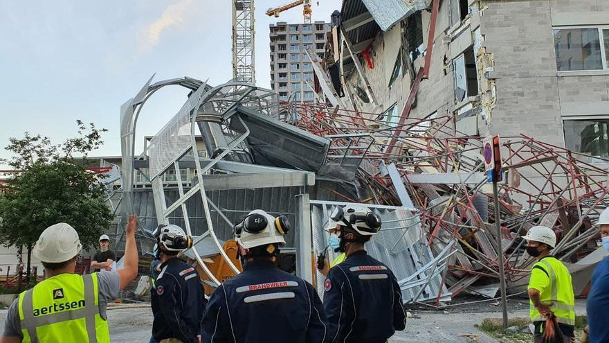 Cinco muertos en Amberes por el derrumbe de una escuela en construcción