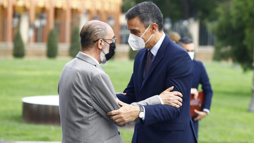 FOTOGALERÍA | Sánchez y Lambán se han reunido en el Pignatelli para analizar la candidatura olímpica de 2030