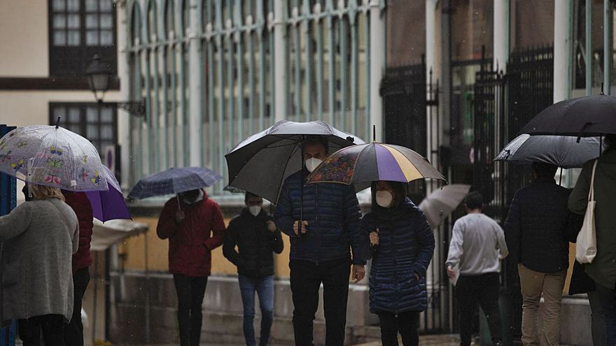 "Preparen los paraguas: a esta hora prevén los expertos la llegada de la tormentosa borrasca ""Lola"""
