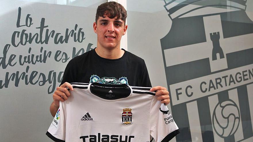 El FC Cartagena blinda a Neskes hasta el año 2024