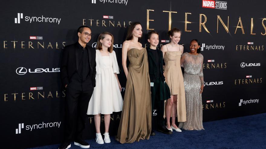 'Eternals' se visten de largo con todas las miradas en Salma Hayek y Angelina Jolie