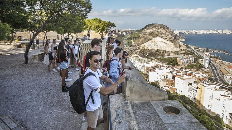 Los universitarios Erasmus vuelven a la provincia de Alicante y se recuperan las cifras precovid