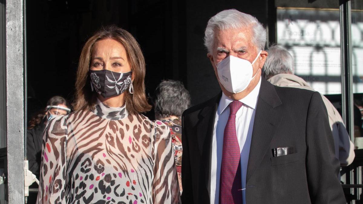 Isabel Preysler junto a Mario Vargas Llosa.