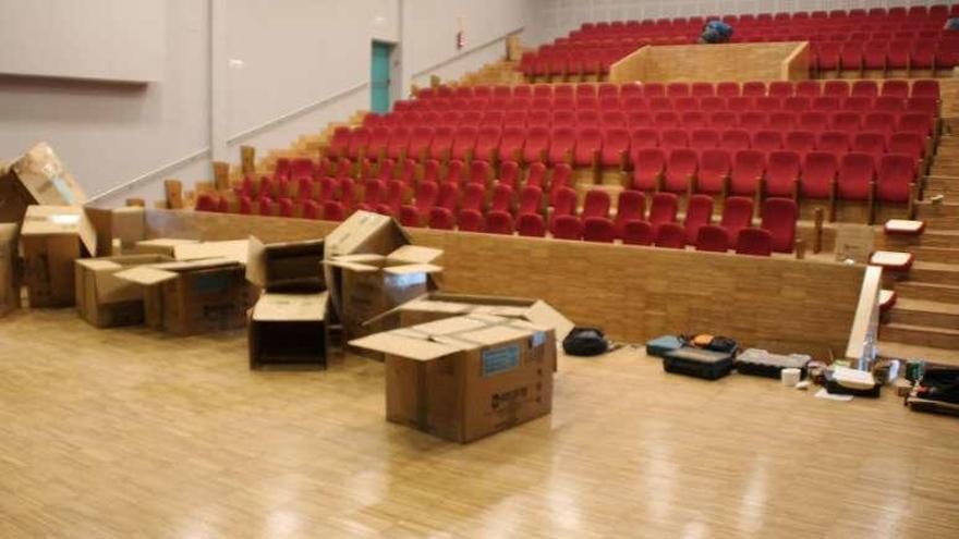Varela eleva a 30.000 euros el coste de la rampa que falta en el auditorio