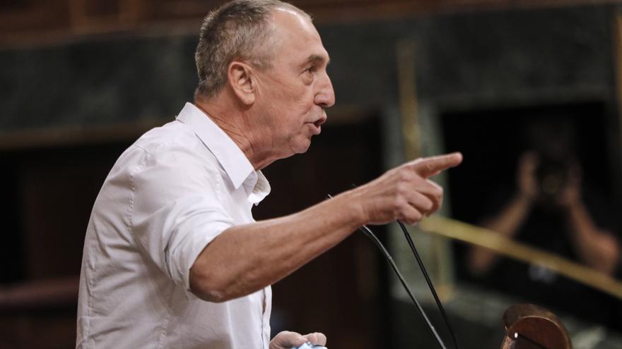 """Baldoví replica con un """"Viva el Papa"""" a la moción de censura de Vox"""