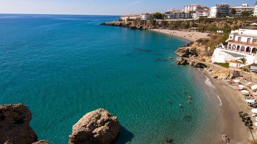 Nerja adjudica las obras del tramo de Senda  Litoral entre las playas La Caletilla y El Salón