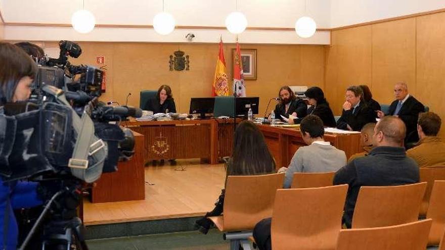 Piden dos años de cárcel para cinco de los acusados por los disturbios de Gamonal