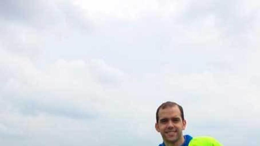 Diego Parrondo guía en Breda a los deportistas con lesiones medulares