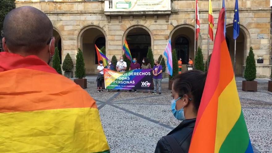 Concentración en Gijón contra las agresiones LGTBIfobicas