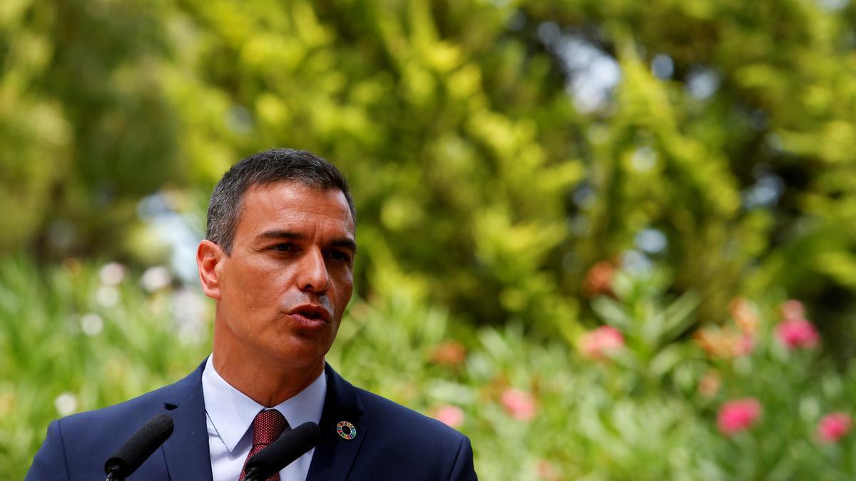 Sánchez se abre a negociar el decreto municipal.