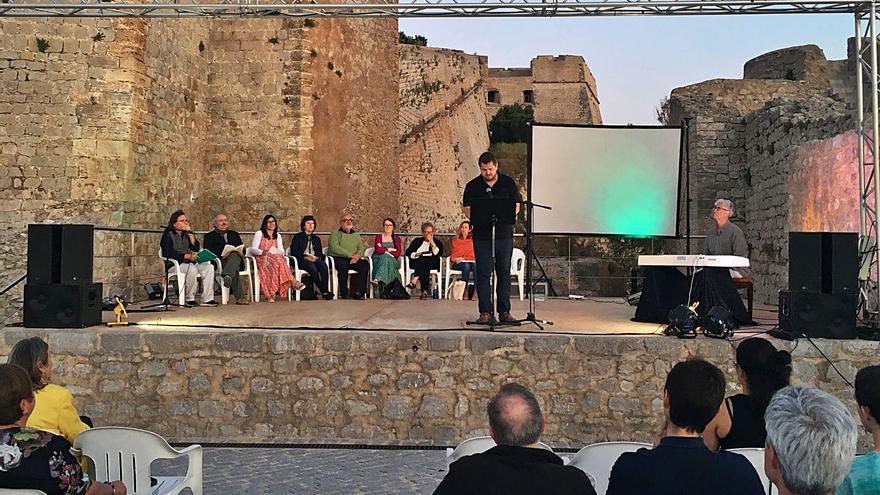 El 'Festival de Poesia de la Lluna de Juny' vuelve a Ibiza después de un año y en otoño
