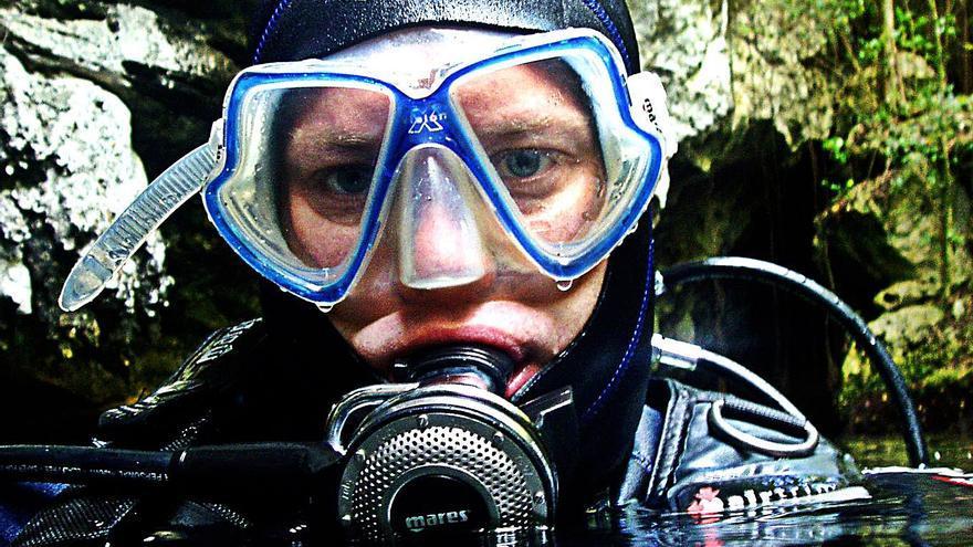 Divulgadores naturalistas bucean en los océanos en Arona SOS Atlántico