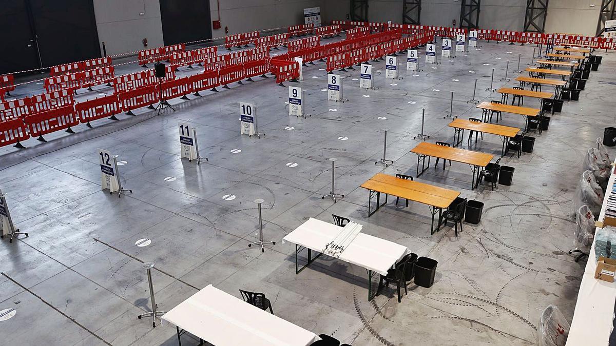 El pabellón 4 del Ifevi preparado para el cribado de mañana